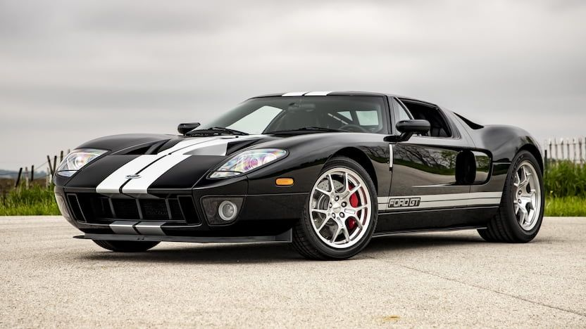 2005 Ford Gt Top Speed 205 Mph 330 Km H 0 60 Mph 3 6 Seconds 0 100 Mph 7 8 Seconds 0 1 4 Mile 11 6 Sec 126 2 Mph Engine Dohc V 8 Supercharged