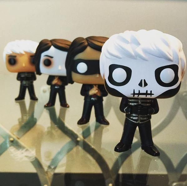 Funko My Chemical Romance Pop Rocks Gerard Way Red Tie Hot Topic Exclusive My Chemical Romance Romance Funky Wall Art