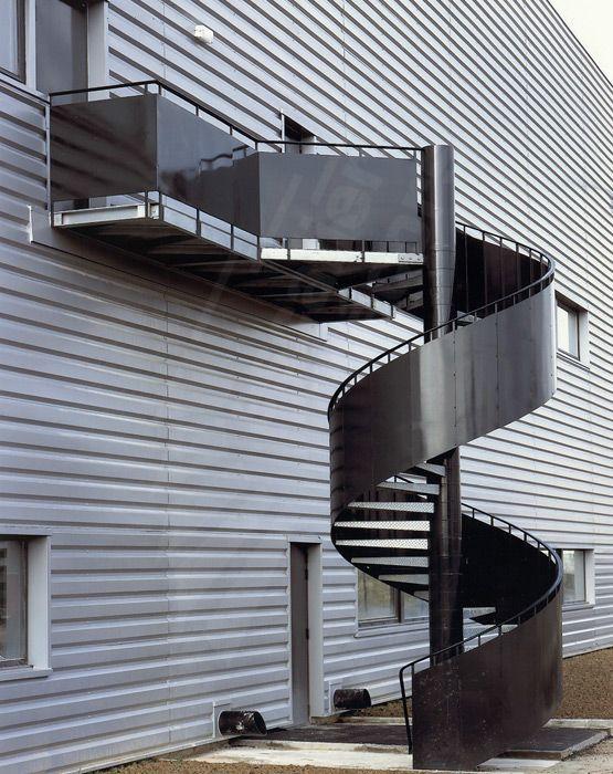 escalier h lico dal industriel escaliers d cors ih14 photo ph l 39 art des passerelles. Black Bedroom Furniture Sets. Home Design Ideas