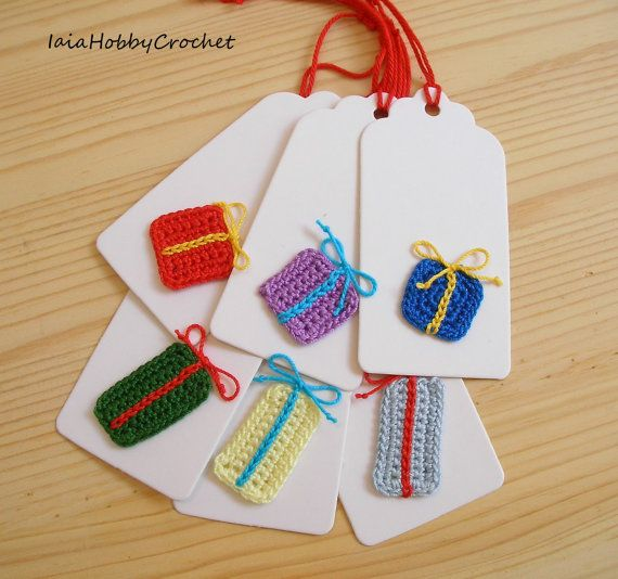 Six beautiful handmade crocheted motifs on gift tags.  You will receive 6 white gift tags with crochet applique.  Size approx . 9 cm X 4.5 cm /