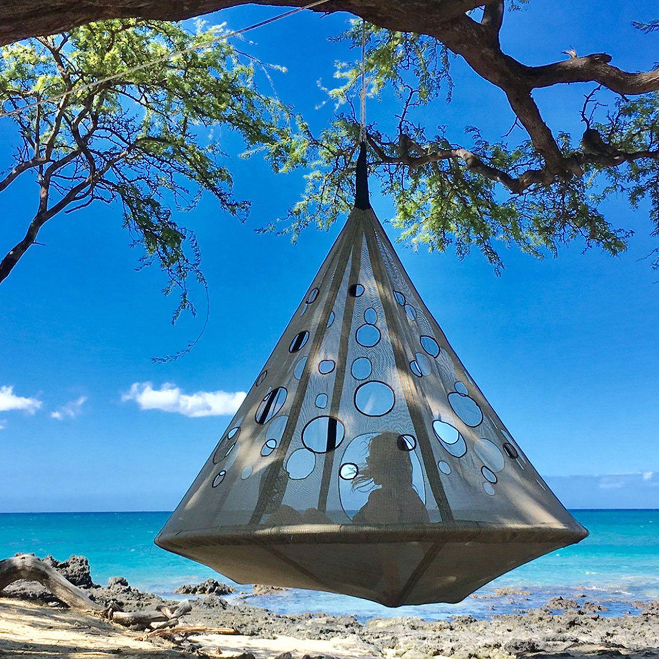Let The Moon Drop Discover Moondrop Hanging Chairs On Hammocktown Com Https Hammocktown Com Product Beach Gadgets Hanging Hammock Chair Hanging Hammock