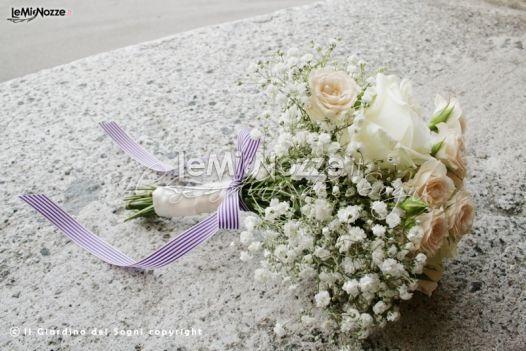 http://www.lemienozze.it/gallerie/foto-bouquet-sposa/img4945.html  Bouquet sposa classico con nebbiolina