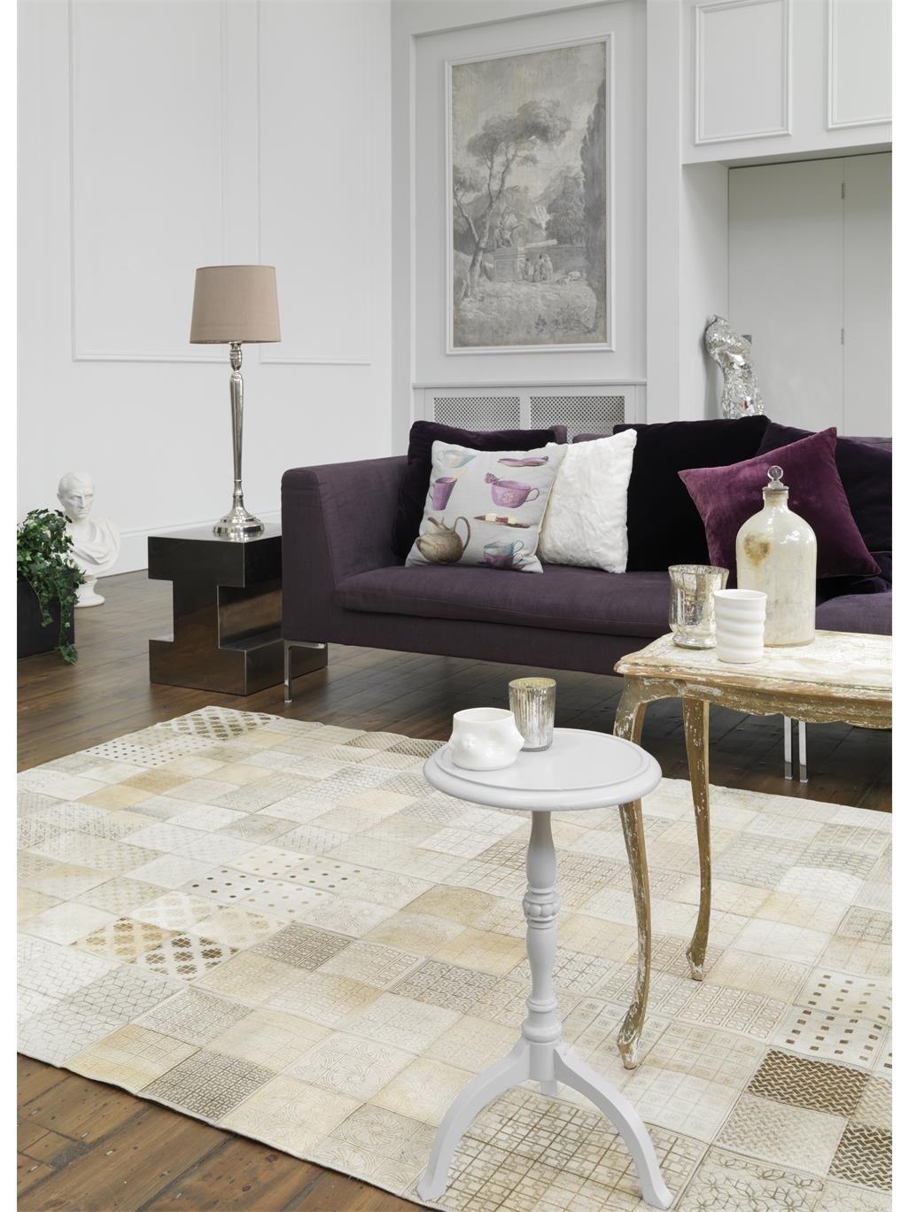 ob nat rlich oder ausgefallen unsere rodeo lederteppiche bringen einen besonderen look zu. Black Bedroom Furniture Sets. Home Design Ideas