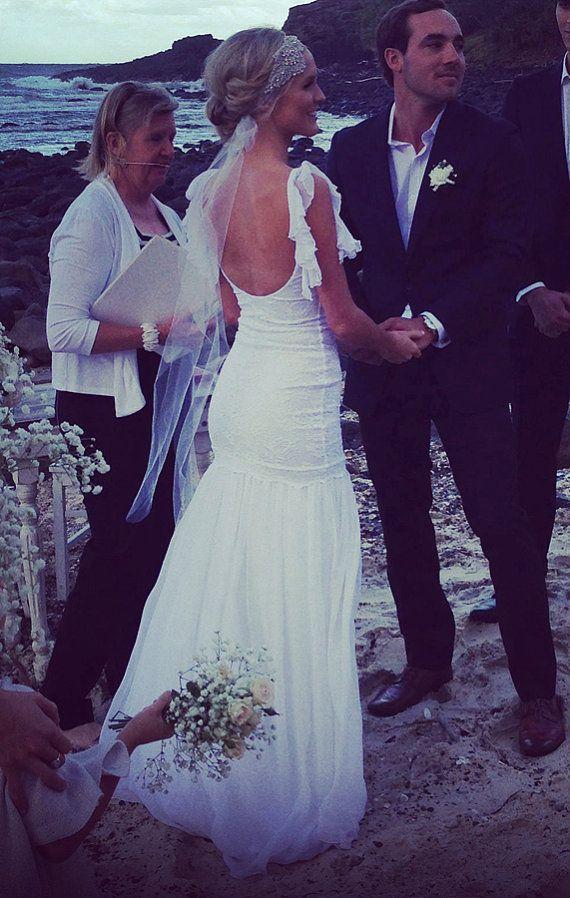 Sorprendente encaje espalda baja boda vestido por Graceloveslace ...
