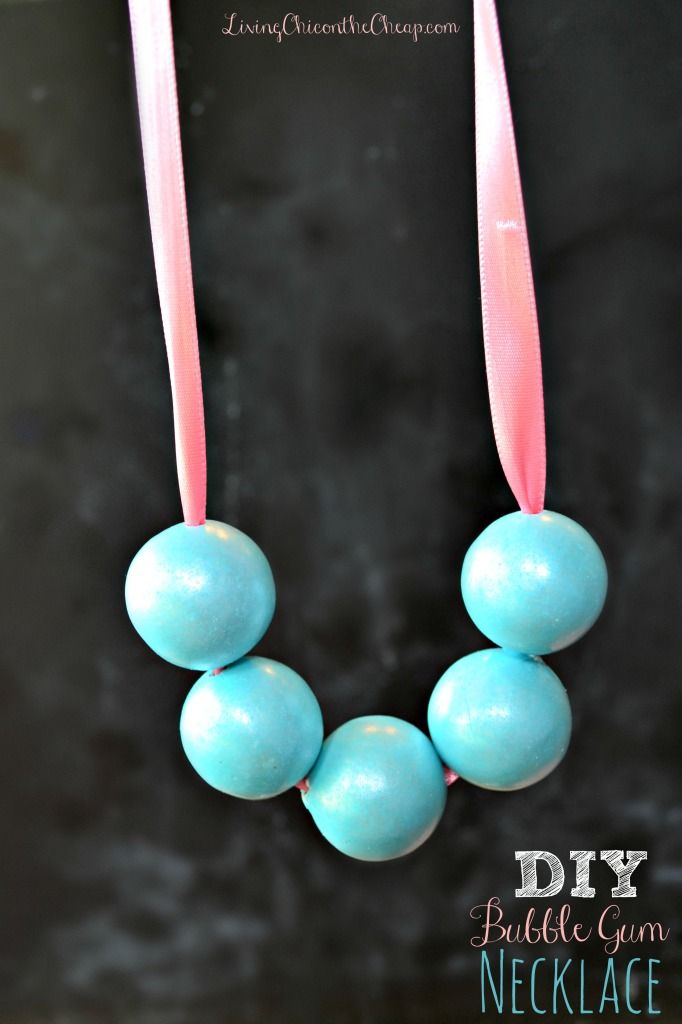 Diy bubble gum necklace here is fun craft or do it yourself gift here is fun craft or do it yourself gift diy bubble gum necklace i have made these for a couple of little girls we know and they are always a hit solutioingenieria Gallery