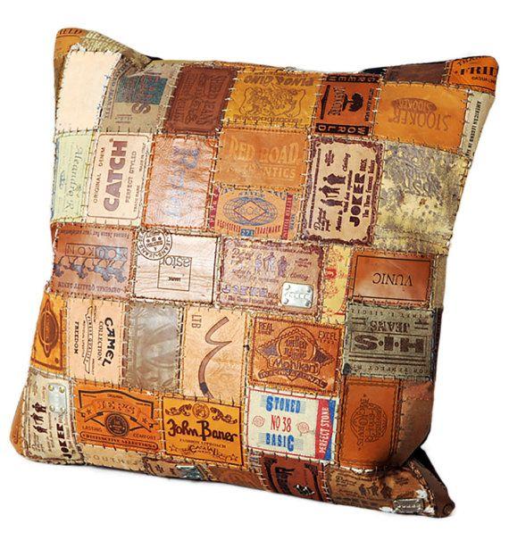 Patchwork almohada industrial de etiquetas de por Bohobynature