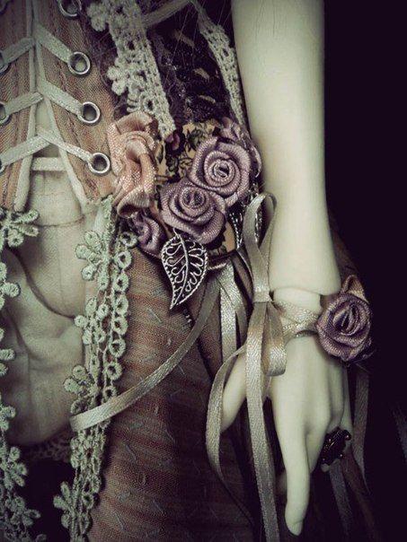 Purple, lace, ballet slippers. <3