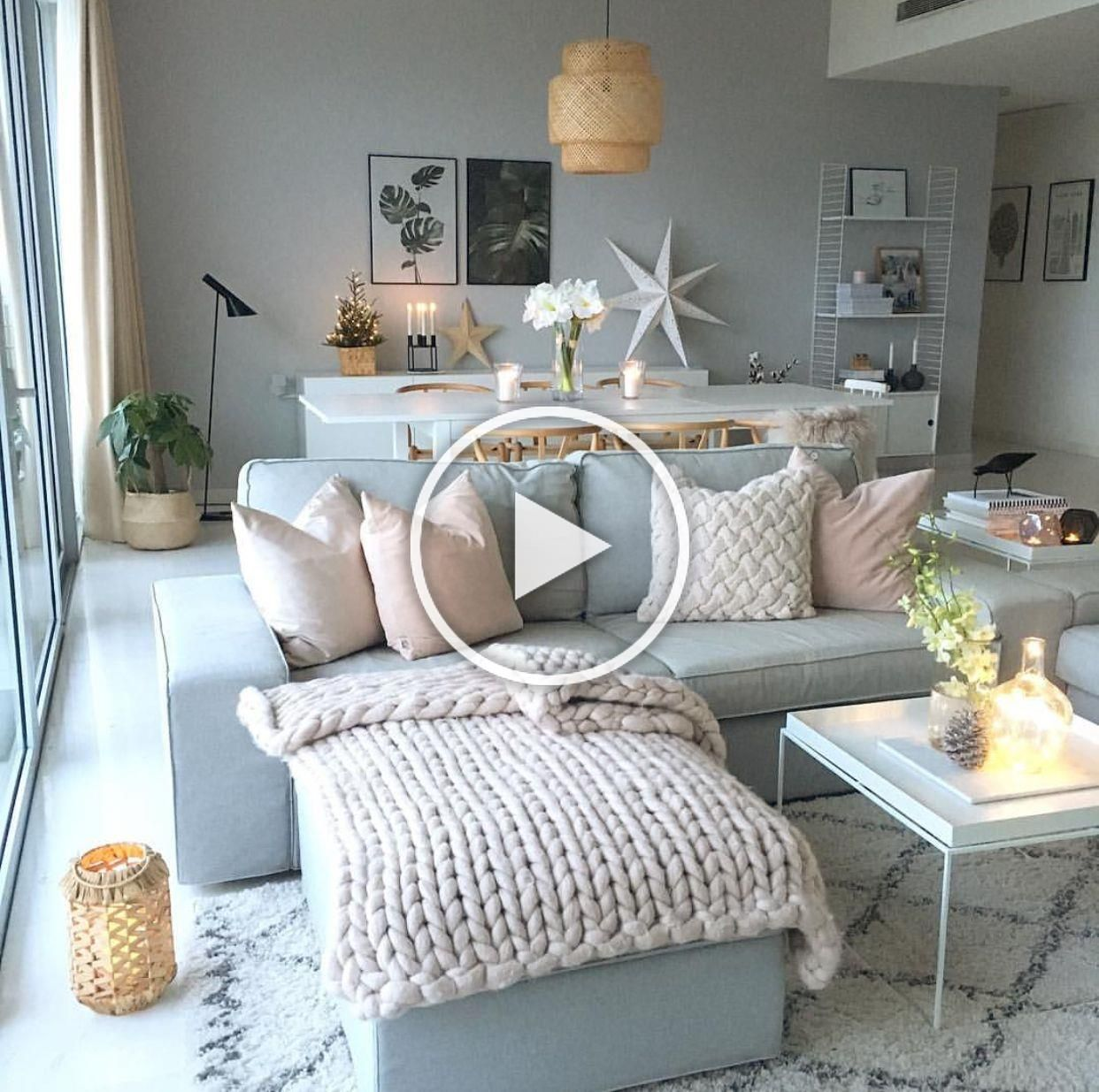 @byidaryding stylist living in Sweden and Singapore styling our Oversize Knitt Woollen Throw perfectly every time!  #stylist #interiors #knitting #wool #chunkyknitting #chunkythrow