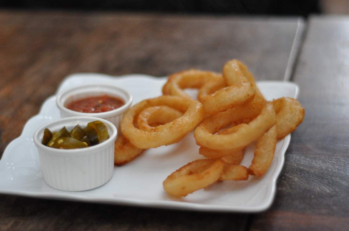 It's National Onion Rings Day! Onion rings recipe, Onion