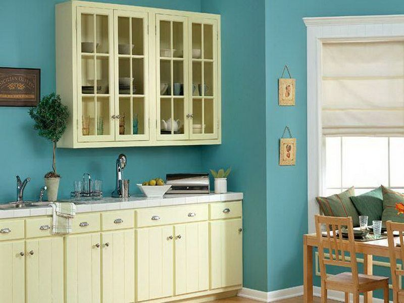 Sky blue wall paint with cream white for cabinets for Blue kitchen paint ideas