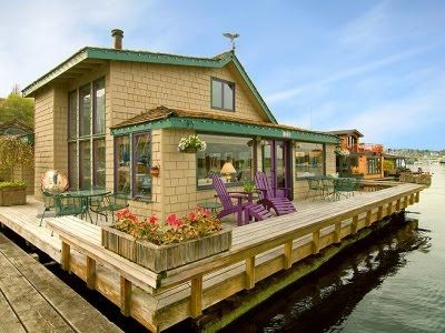 Houseboats Aka Floating Homes One Famous All Fabulous In