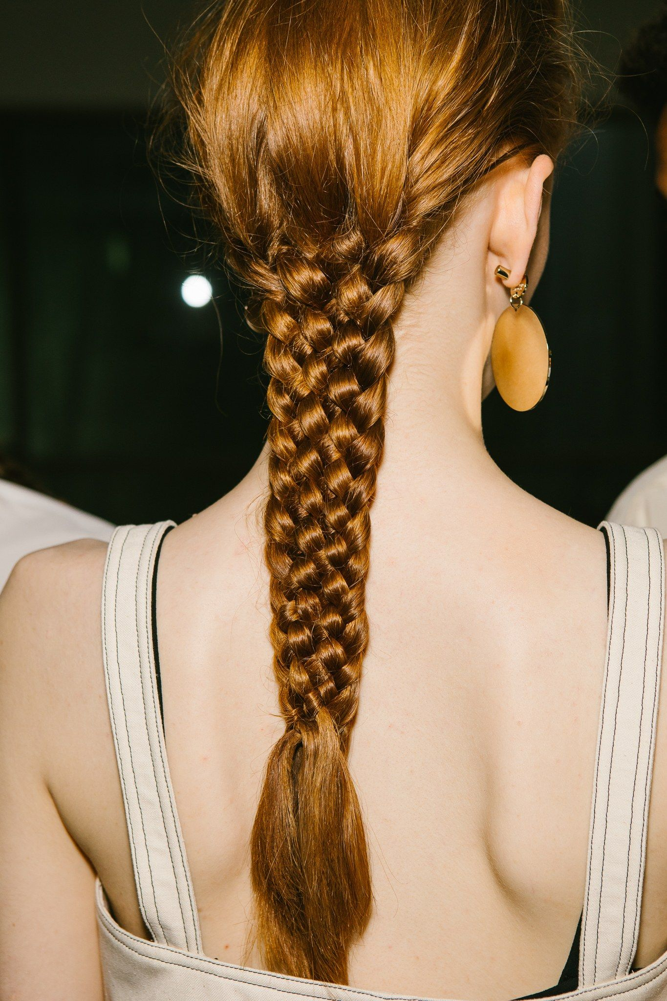 Braided spring hairstyles inspired from the runway video