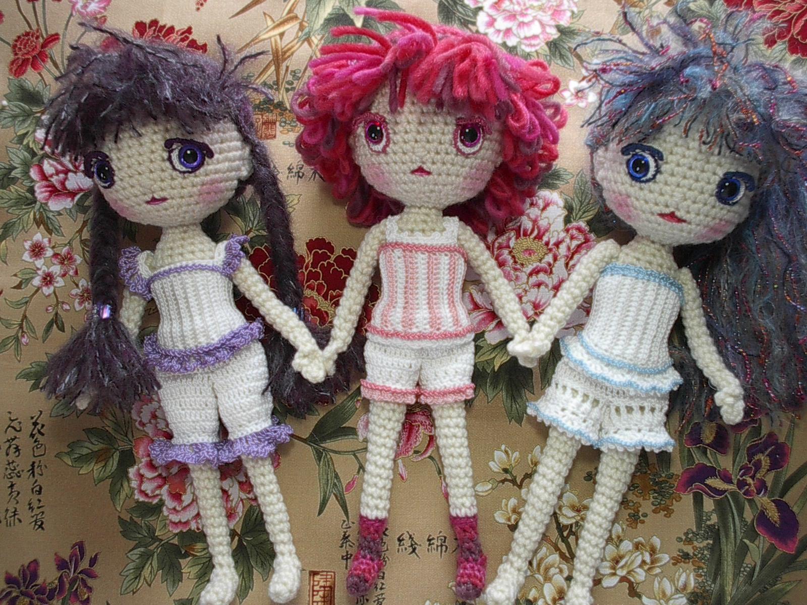 Crochet Amigurumi Doll Free : Tiny amigurumi doll free pattern by double treble trinkets