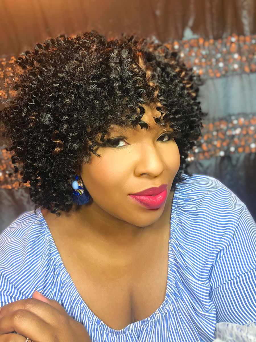 😍I am loving this style!!!! Guess What???  It's a WIG! 😱 Featuring @marisasmanner  Click the link for the details 👀WATCH 👍LIKE ✅SUBSCRIBE  ↗️SHARE  Link in bio   #crochethairstyles #hairstyles #easyhairstyle #hairstylesforblackwomen #protectivestyles