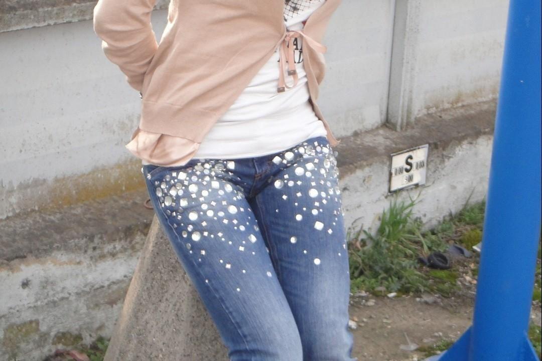 Come fissare i brillantini sui vestiti | Beauty