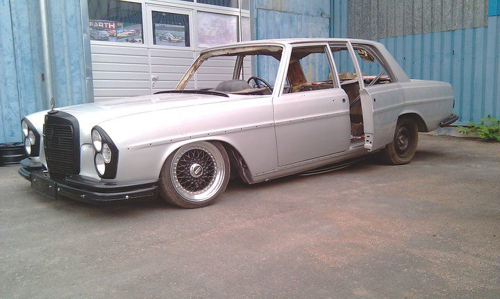 Striplots awesome Mercedes w108 with suicide doors