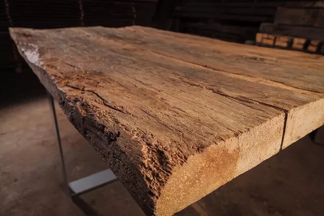 dating mobilier de stejar antic