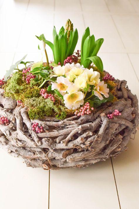 diy fr hlingskorb nat rlich dekoriert ogrodnictwo pinterest fr hling diy fr hlingsdeko i. Black Bedroom Furniture Sets. Home Design Ideas