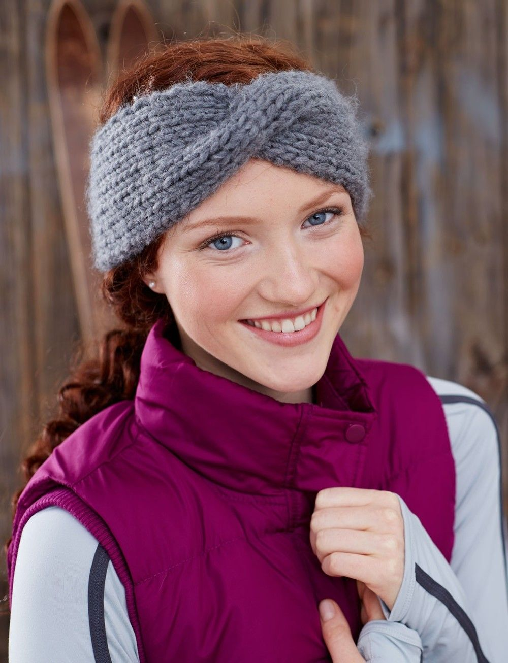 Twisted sister headband beginner knitting knit headband pattern learning how to knit a headband is as easy as with the twisted sister headband perfect for beginner knitters this easy knit headband pattern mainly uses bankloansurffo Images