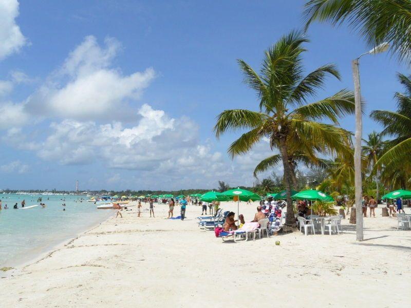 Lively Boca Chica Beach The Dominican Republic S 10 Best Beaches Pinterest