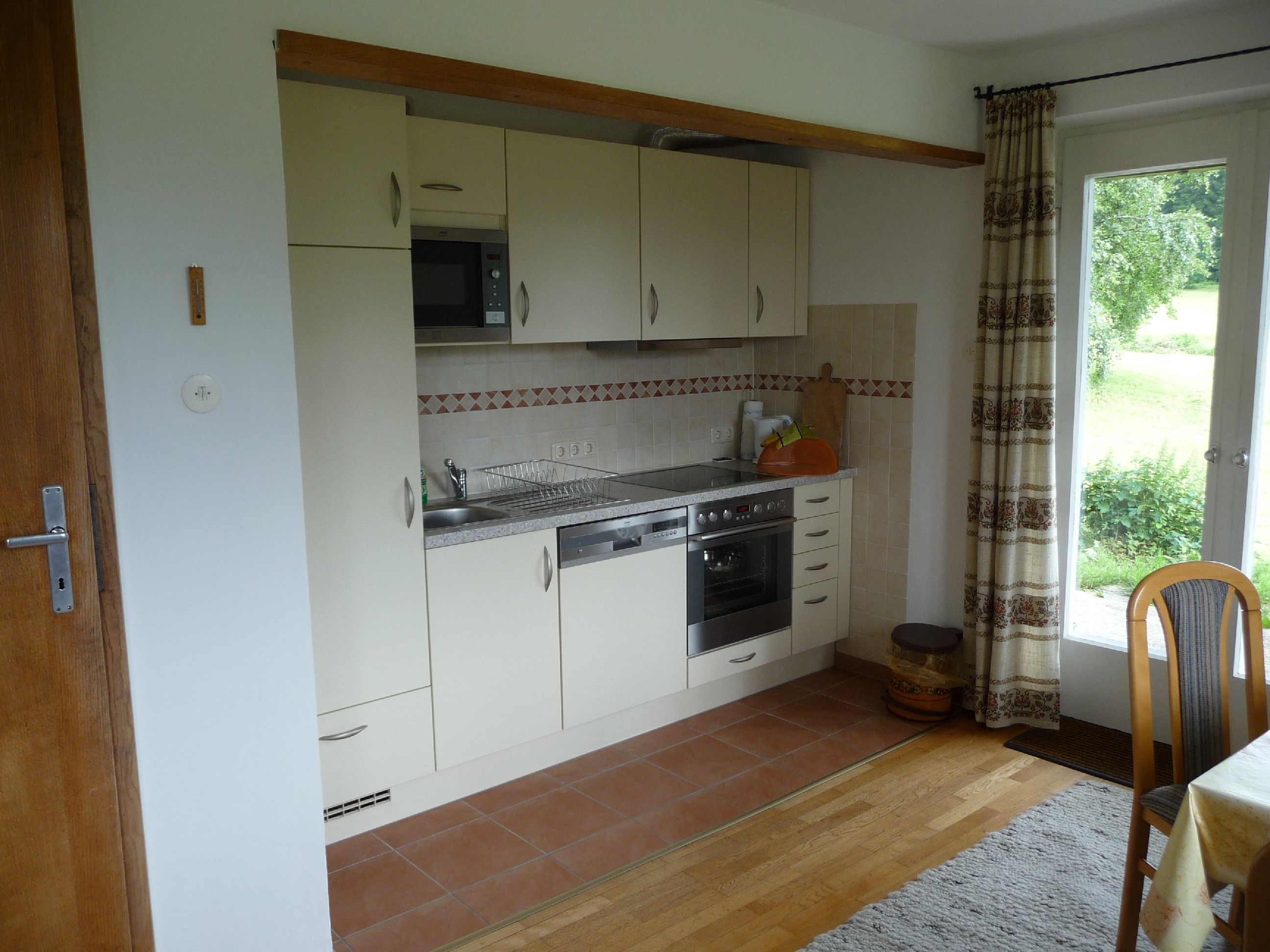 Auch die Küchenzeile haben wir neu ausgestattet, so daß nichts fehlt, was die Köchin oder der Koch wünscht!