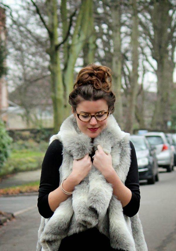 DIY Fashion: Slouchy Faux Fur Vest (no sew!) (Jade Rose Blog. UK Fashion.) - Diy fashion no sew, Diy fashion, Diy clothes - 웹