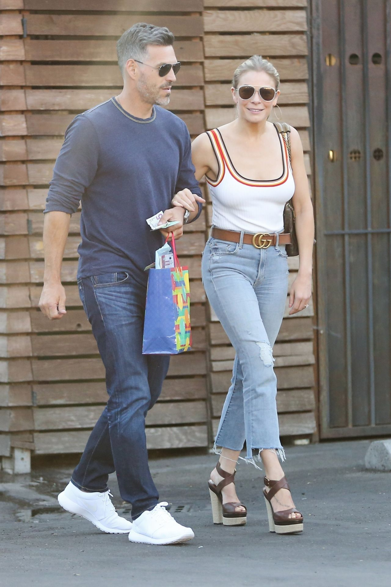Watch Leann rimes out in calabasas video