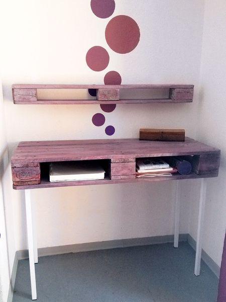 schreibtisch europalette wandregal palettenholz von vonspez auf einrichten und. Black Bedroom Furniture Sets. Home Design Ideas