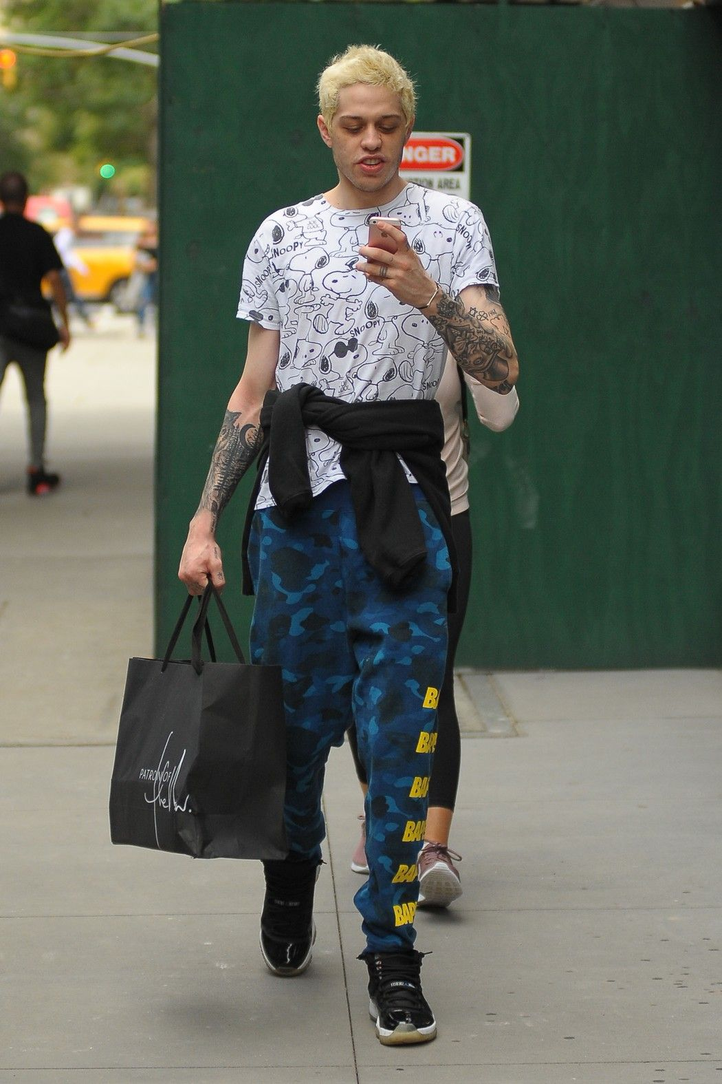 Pete Davidson Was Already Dressed For This Breakup Pete Davidson Mens Outfits