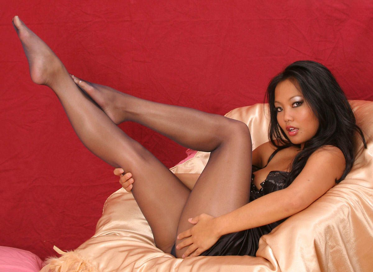 Pictures of women wearing pantyhose #5