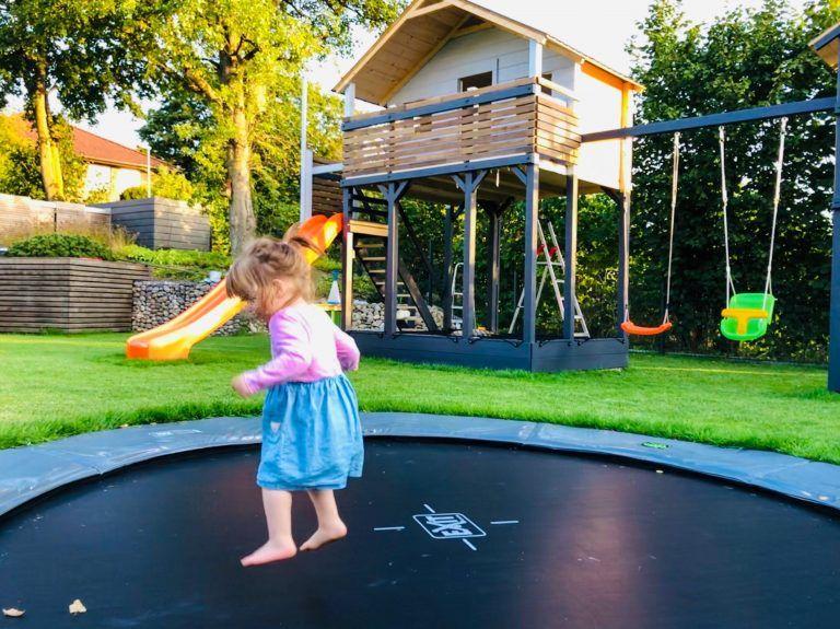 Pin Auf Kinderspielhauser Garten