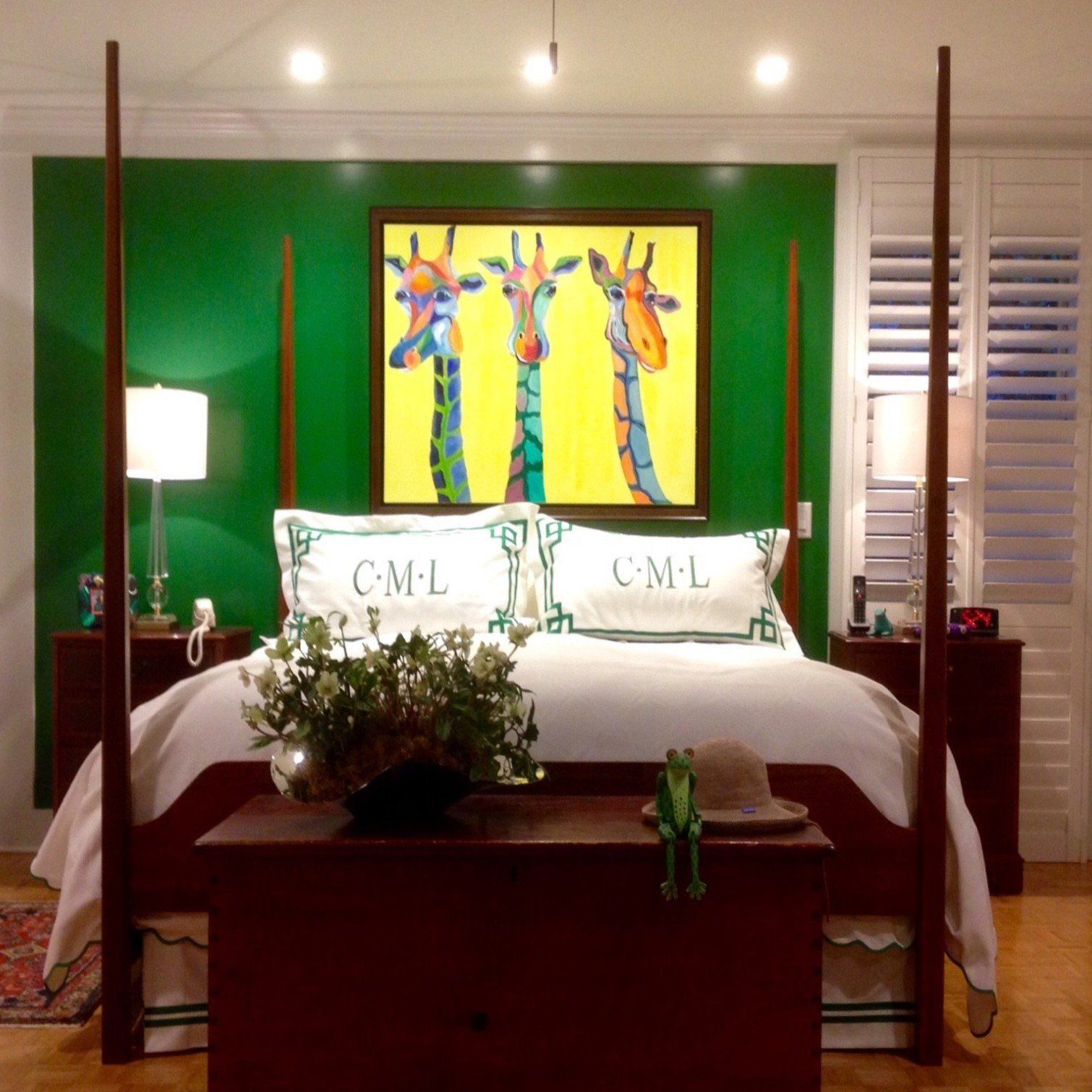 Gordon And Johnson Interior Design Kelly Green Bedrooms Green Painted Furniture Green Rooms