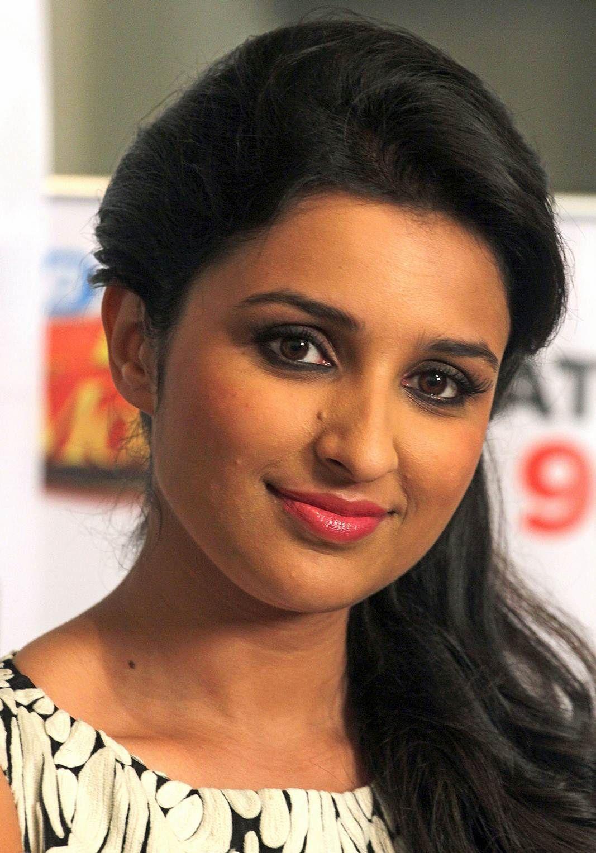Man's world actress Parineeti Chopra HD Wallpapers