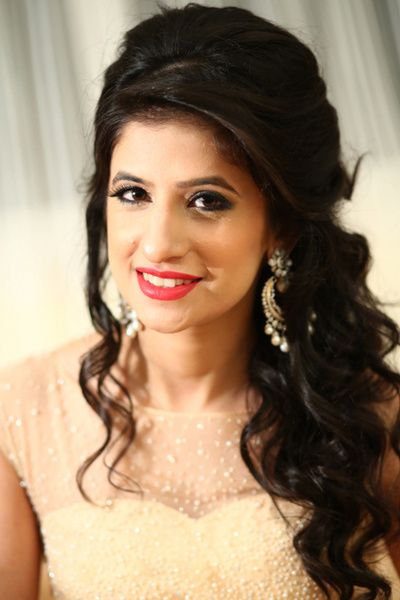Indian Wedding Ideas Inspiration Bridal Lehenga Saree Photos Wedmegood Engagement Hairstyles Hairstyles For Gowns Indian Hairstyles