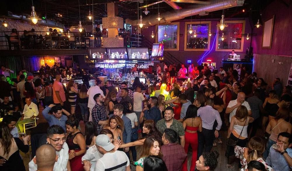 Houston Nightlife The Best Bars In The Woodlands Houston Nightlife The Woodlands Houston Night Life