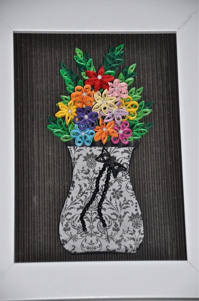 Vase of Quilled Flowers - by: Neşe Saka - www.facebook.com