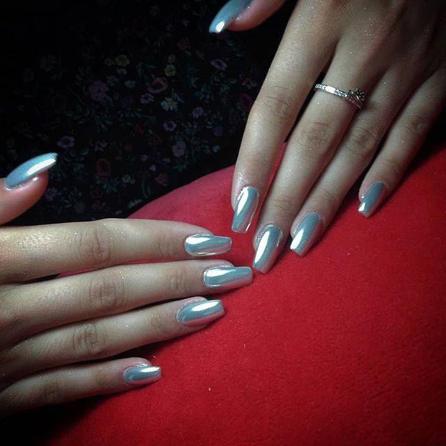 chrome nails, chrome nail art, chrome manicure, shiny nails ...