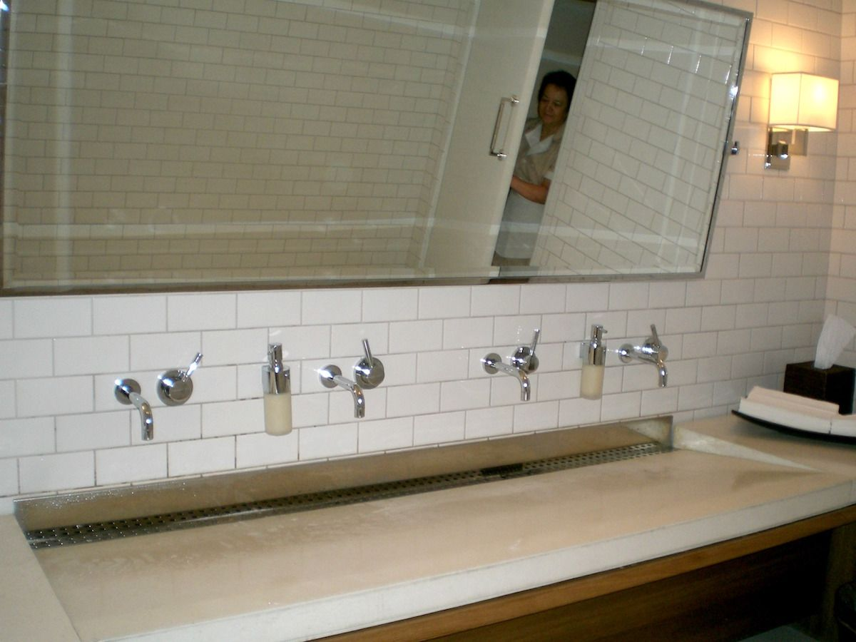 Big bathroom sinks may be luxuriously customized for two or more users.