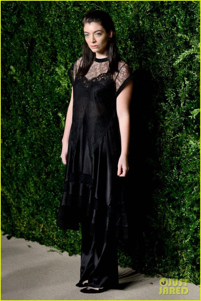 Zendaya u lorde are eyecatching at cfdavogue fashion fund awards