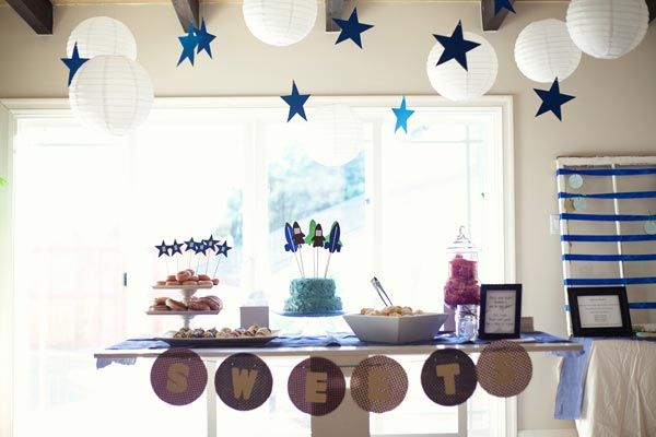 Lovely Rocket Themed Baby Shower// I Love, Love This Sweet Baby Shower Idea!