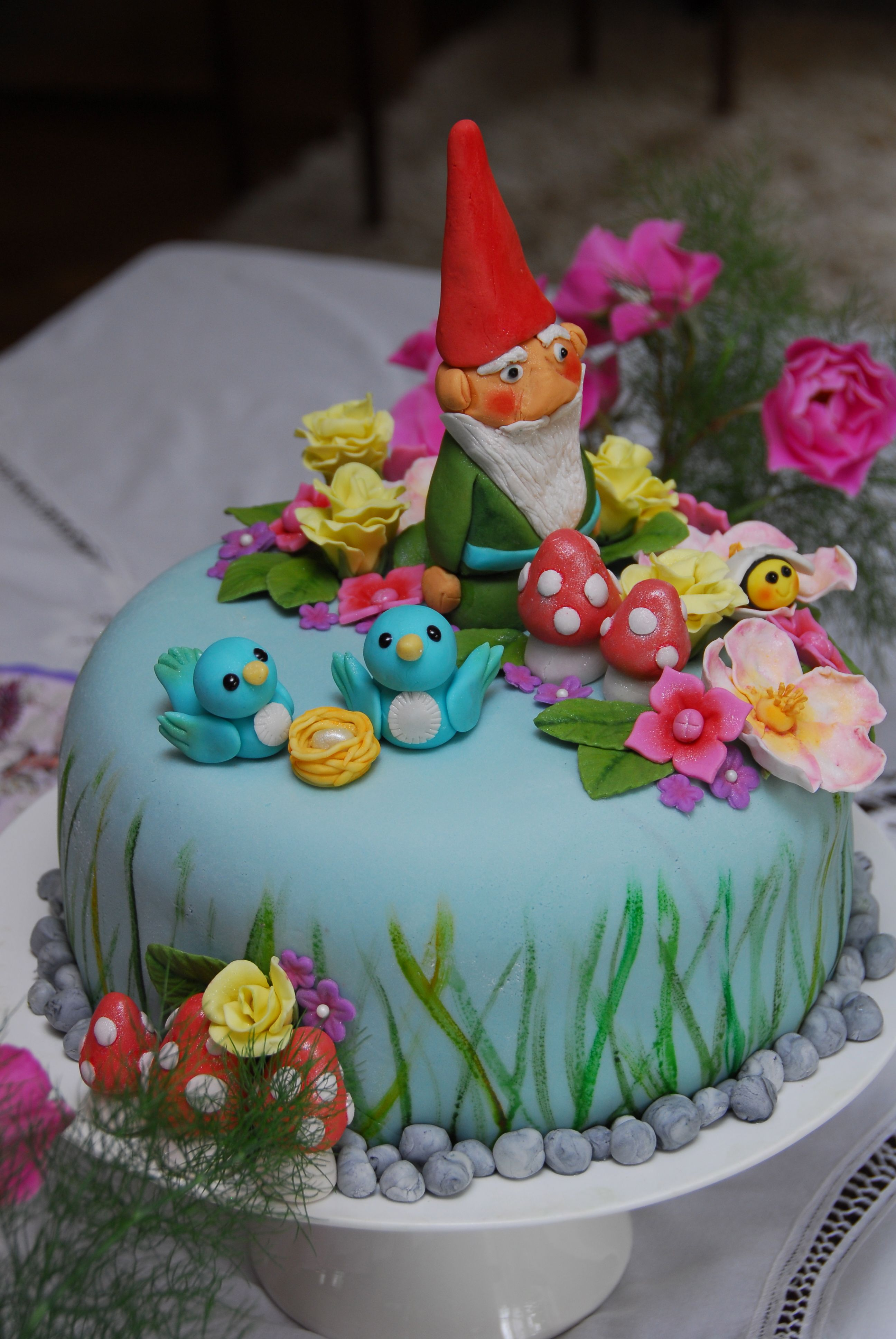 fondant garden party cake bee flower bird nest