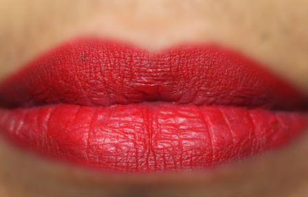Faces Lip Liner in True Red, soft and smooth texture, not very dry, perfect red, travel friendly, no smudging, pigmented, stays long, variety, lip swatch, pretty, pout