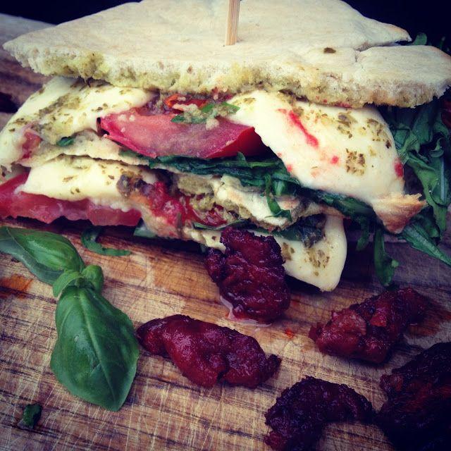 ITALIENSKE PITASANDWICH  Lækre og nemme sommersandwich med og uden kød