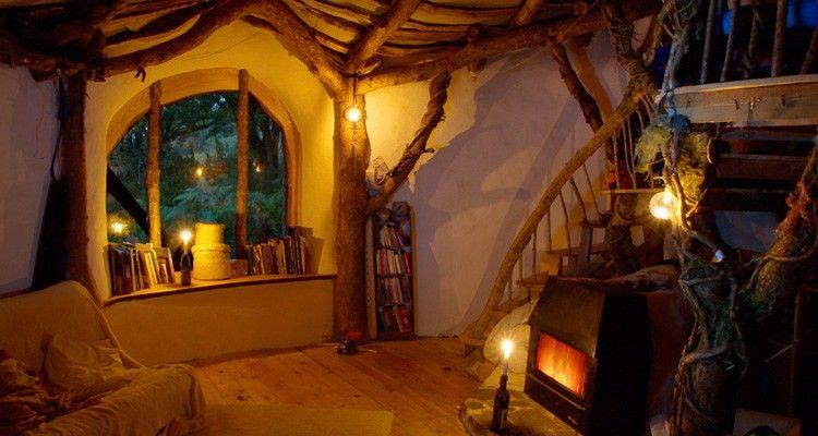 Image result for Diese 4-köpfige Familie erbaute ein Traumhaus für 4000 Euro