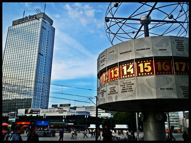 Park Inn Weltzeituhr Alexanderplatz Berlin Places Around The World Names Of Hotels Monument