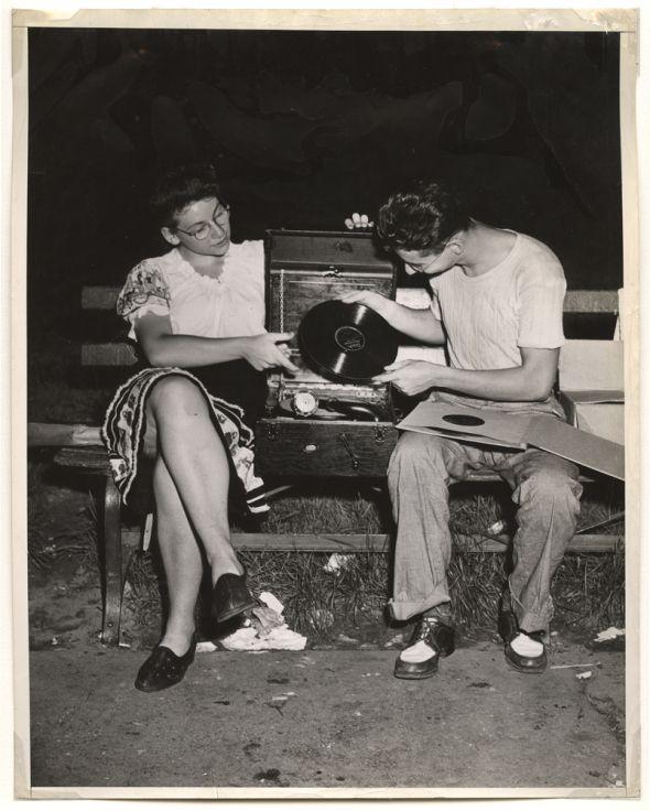 Weegee, After midnight in Washington Square Park, Folk Dance, ca. 1945