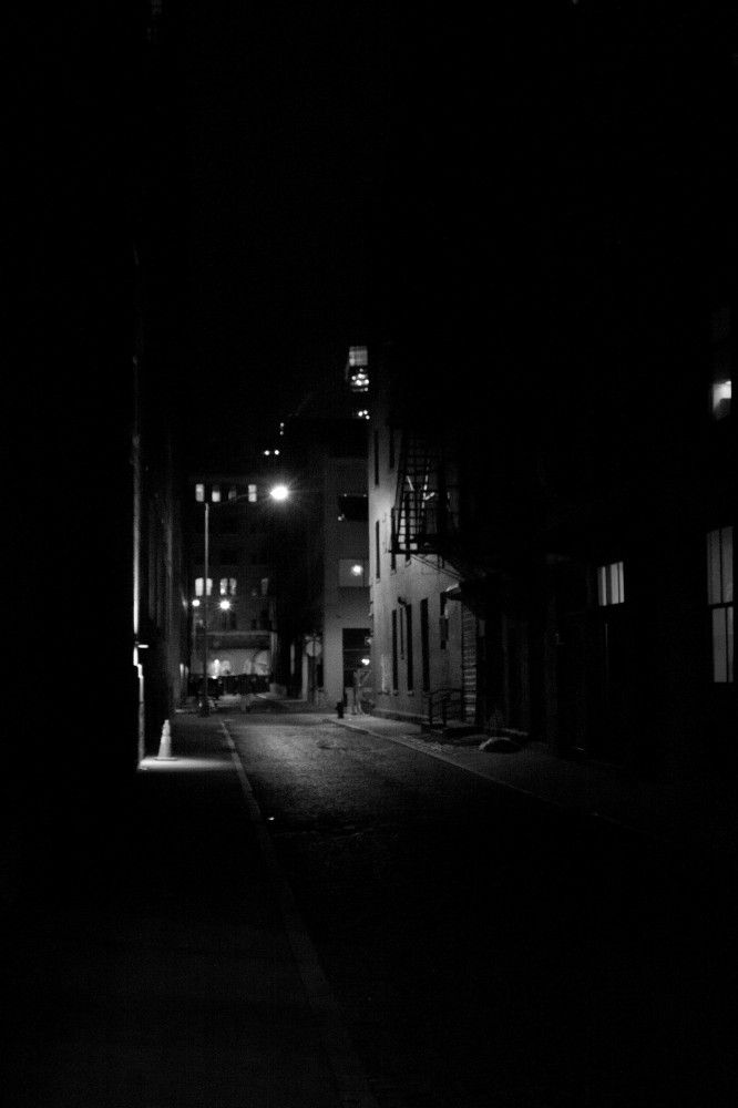 Pin By Chris Angus Thrillers On Freeverse Nyc Dark Photography White Photography Dark City