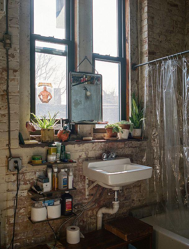 Michael Allen For Freunde Von Freunden Brick Tiles Bathroom Brick Bathroom Room Decor