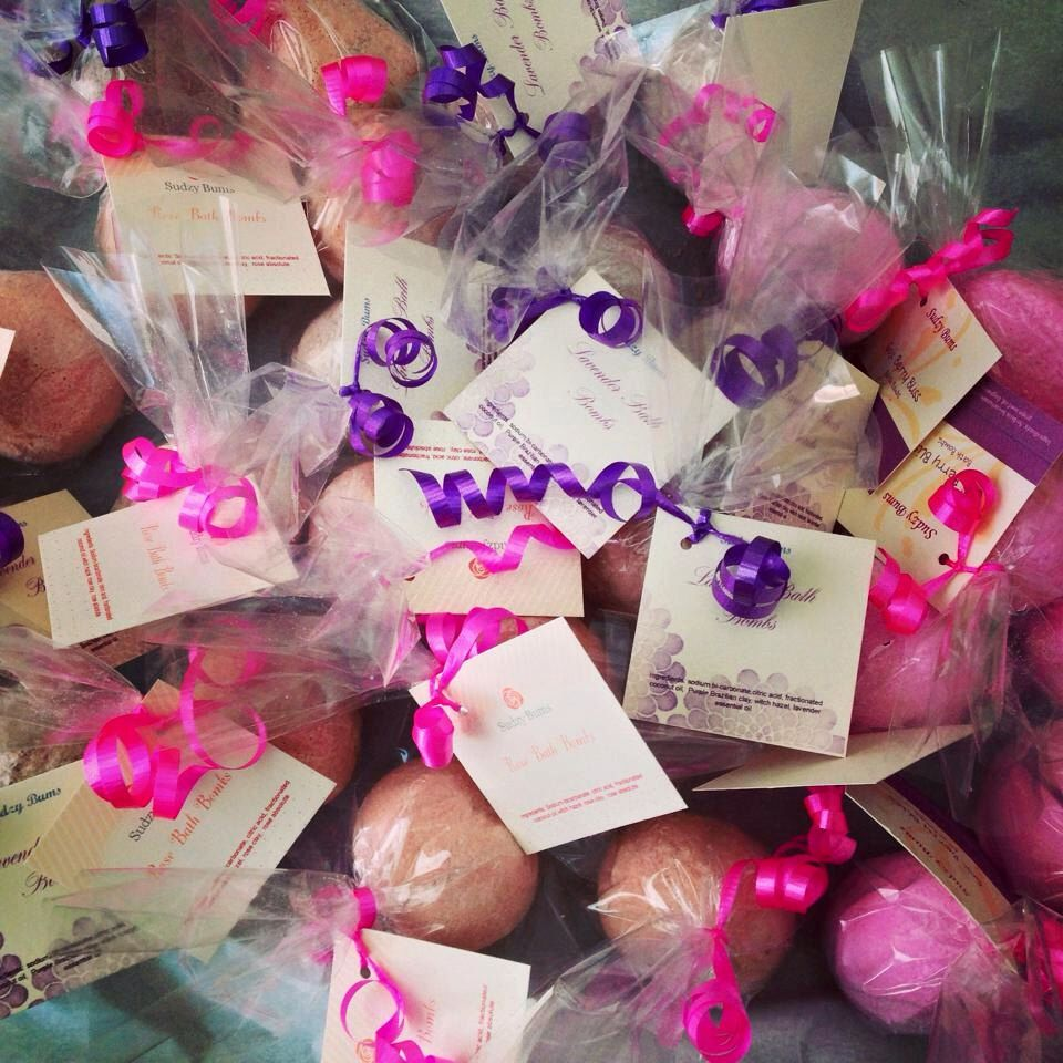 Bath Bomb favors (10), spa party favors, diva party, ladies night ...