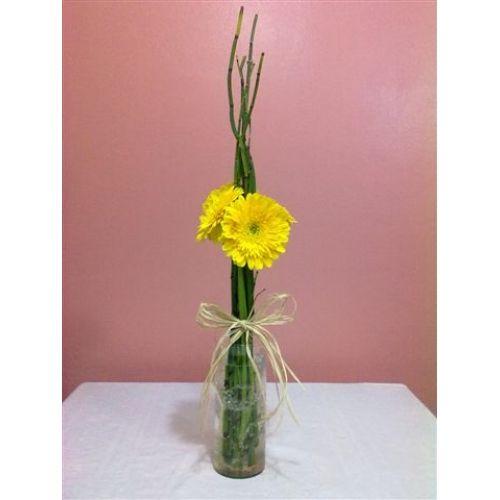 flor simples com garrafa